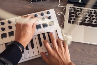 what is a MIDI controller keyboard
